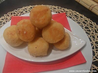 Bolitas de patata con jamón y queso