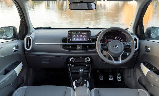 Kia Picanto X-Line dashboard