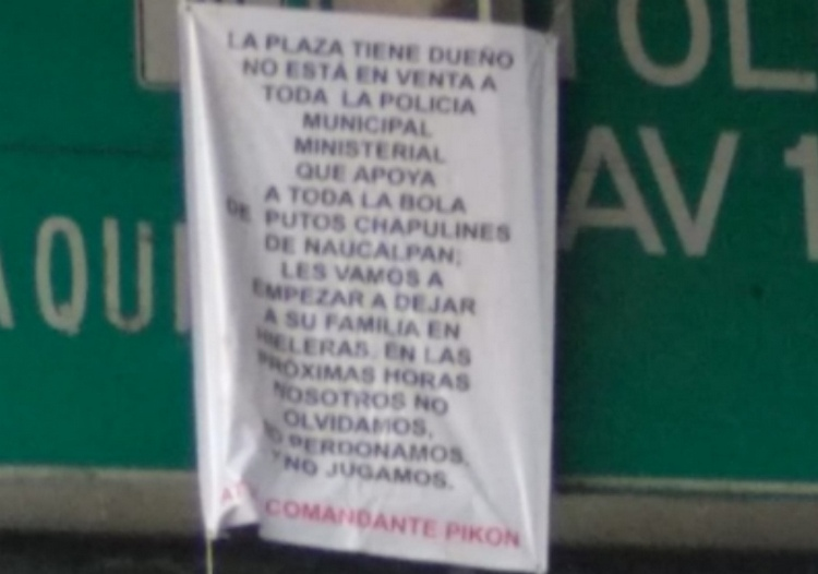 "Dejan cabeza humana cercenada junto a Narcomanta firmada por ""El Comandante Pikon"" en Naucalpan"