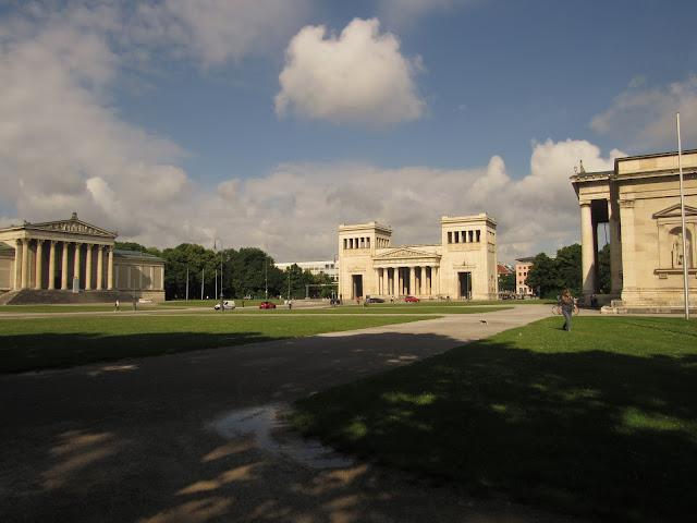 A Königplatz O que ver em Munique Alemanha nazismo