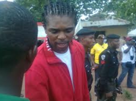 kanu nwankwo aides steals $1000