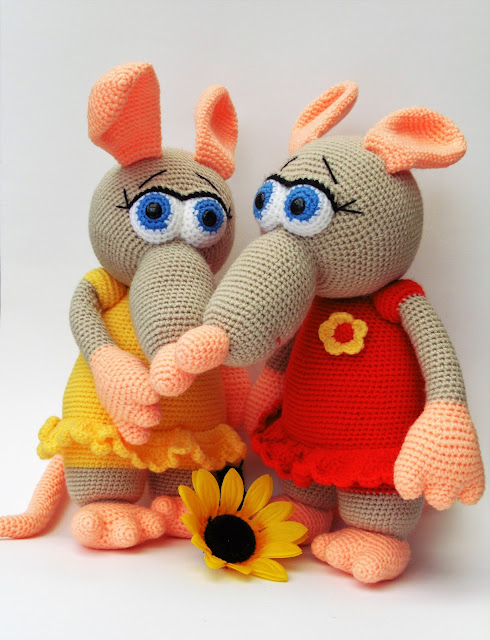 amigurumi-crochet-soft-stuffed-toy-rat-girl-yellow-red-dress-animal