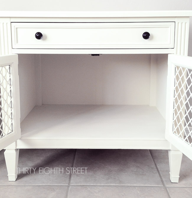 white painted furniture ideas, refinishing furniture with chalk paint, white painted nightstands