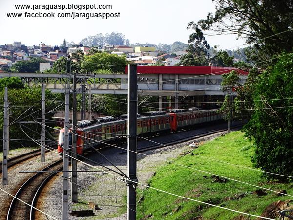 Estação Vila Aurora - instalada em 2013 - deixou tudo mais perto para os moradores locais, mas só para quem pode pagar a cara passagem da CPTM