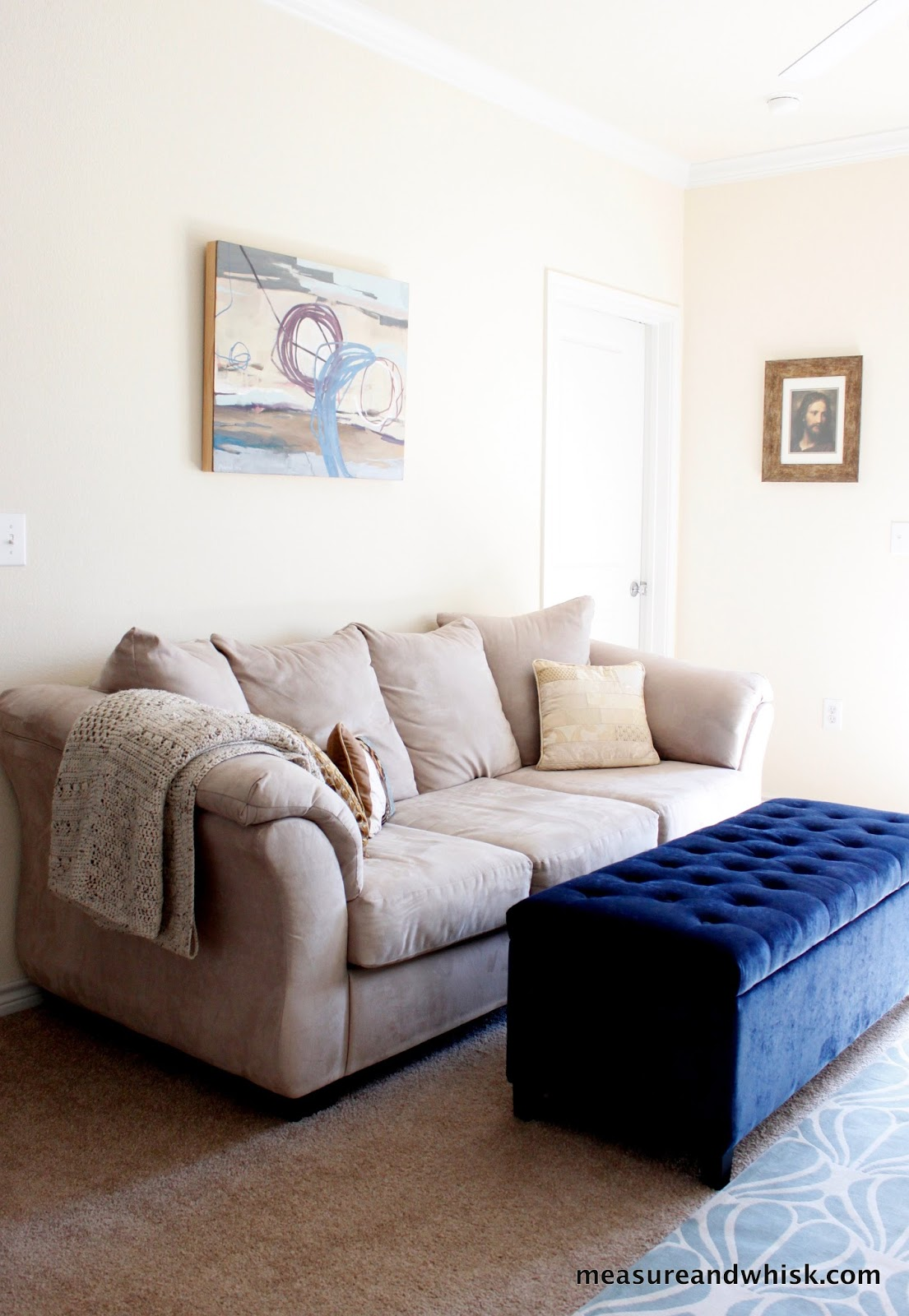 Minimalist Living: Making a small space work for you | Measure ...