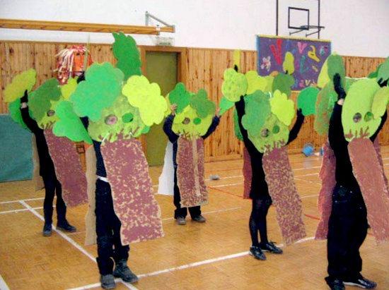 manualidades disfraz de árbol