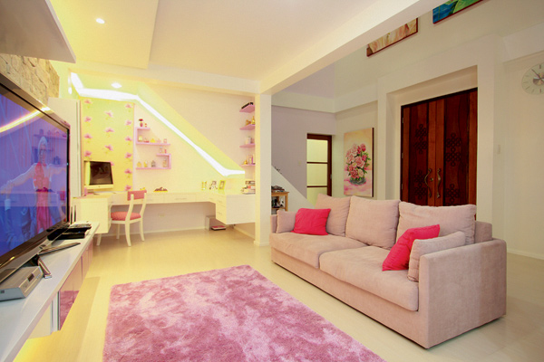 Kim Chiu's House Is Like A Doll House! It Even Contains Five Pink Rooms!