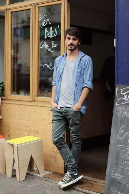 converse-all-star-masculino-dicas-para-usar-como-usar-camisa-azul-masculina