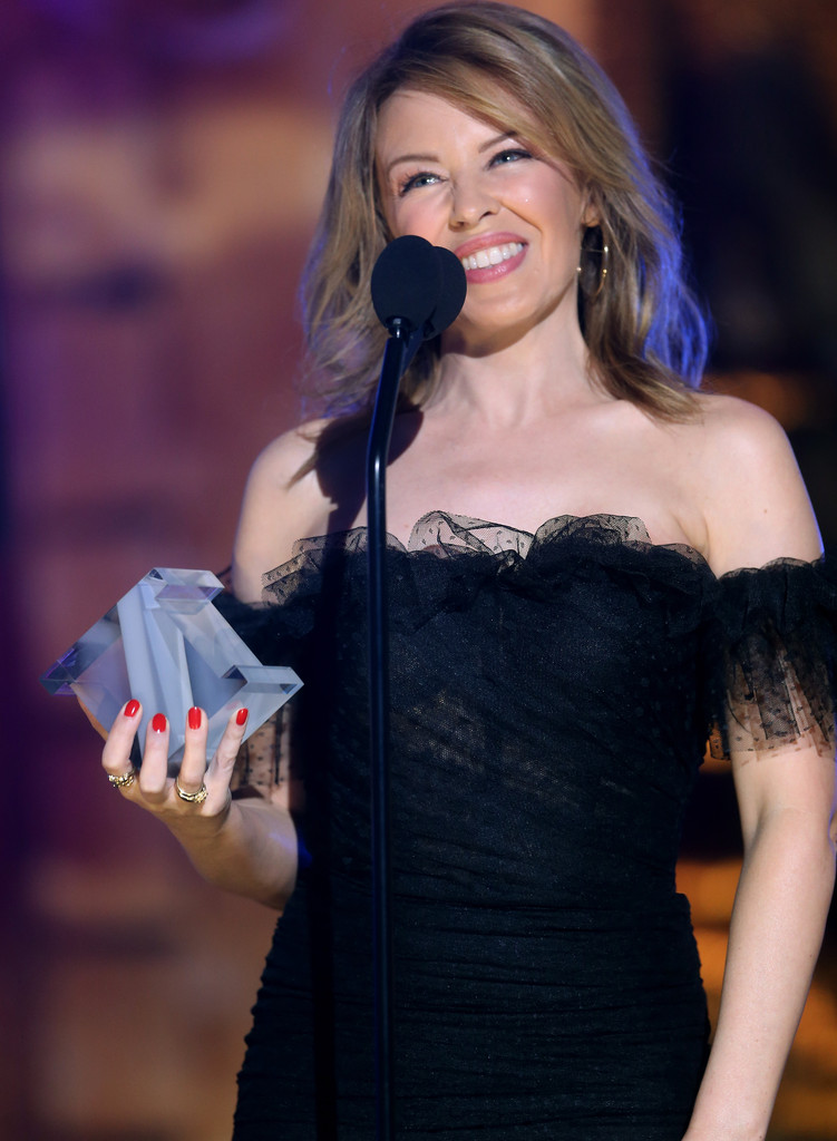 WATCH: Kylie Minogue Receives 'Dance Floor Hero Award' At