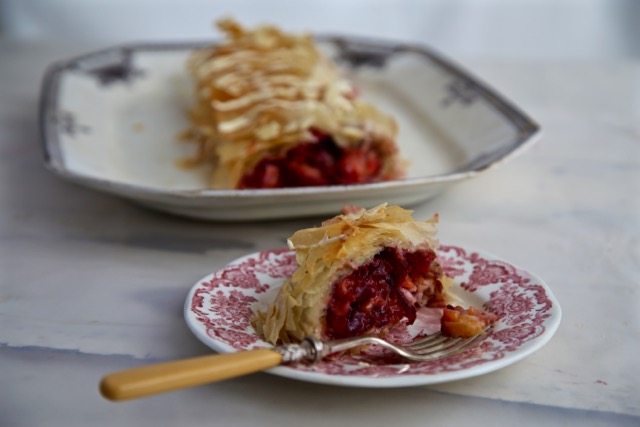 Pluot/plum and white chocolate strudel