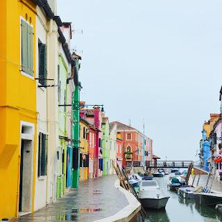 façades coloré du village de Burano