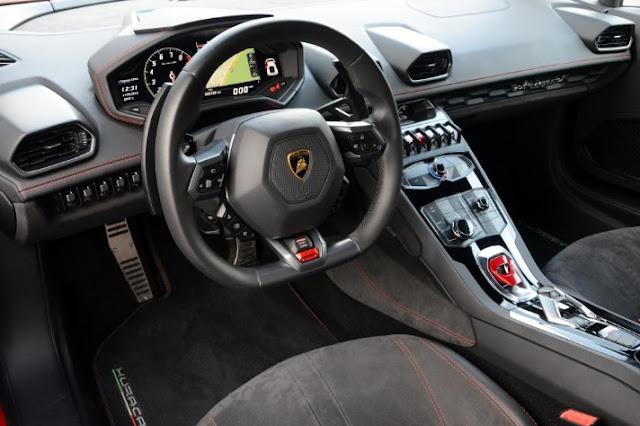 New  Lamborghini Huracan LP 580-2 2016  Interior