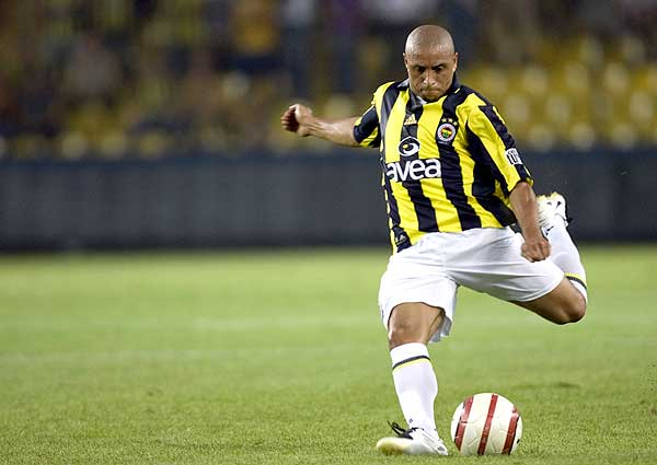 Cool Sports Players Test2 Roberto Carlos Wallpapers