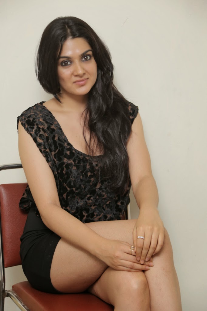 Beautiful Sakshi chowdary hot photo gallery in black short dress