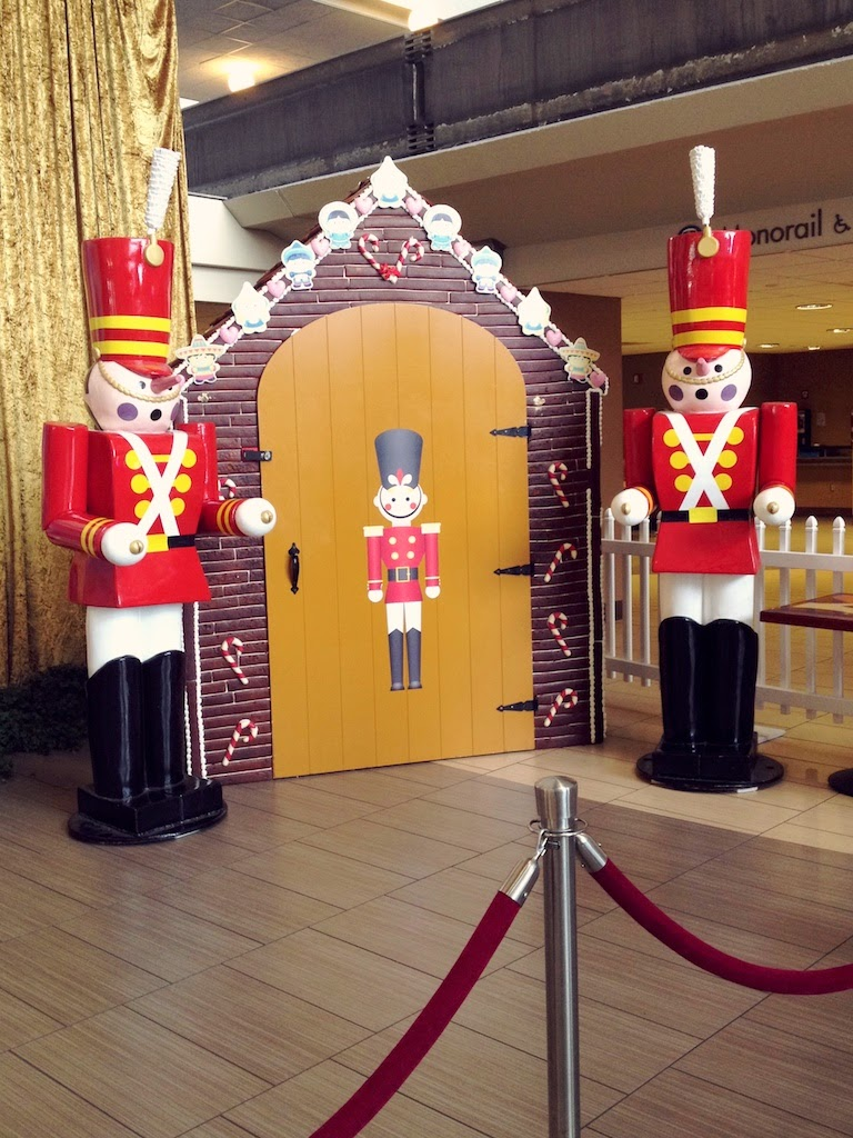 Lifesize Tin Soldiers at Disney's Contemporary Resort
