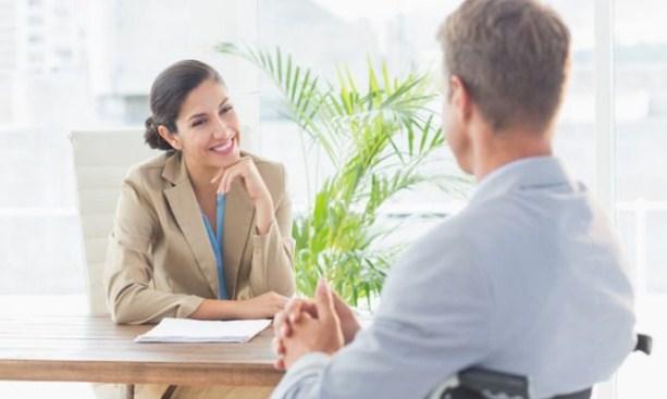 5 Bahasa Tubuh yang Baik Saat Wawancara Kerja