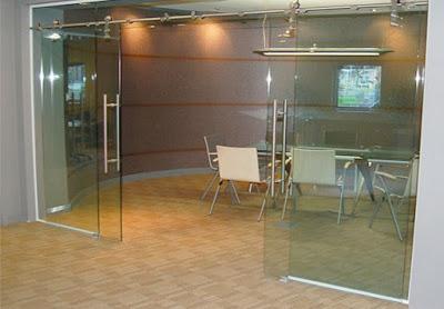 Cửa kính bản lề sàn cho phòng họp, quán cafee