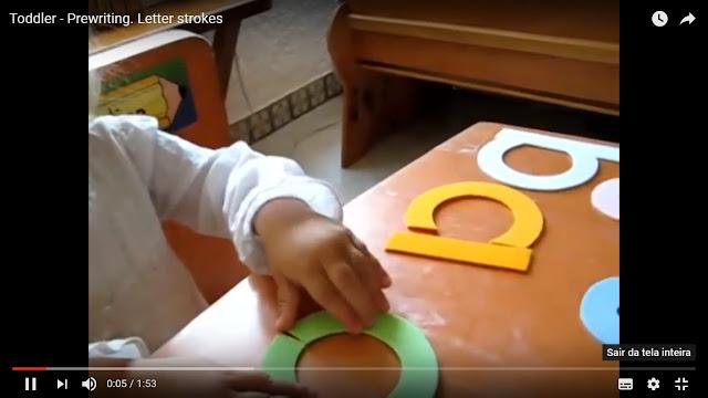 Trabalhando coordenação motora e reconhecimento de traçado das letras através de alfabeto em pedaços