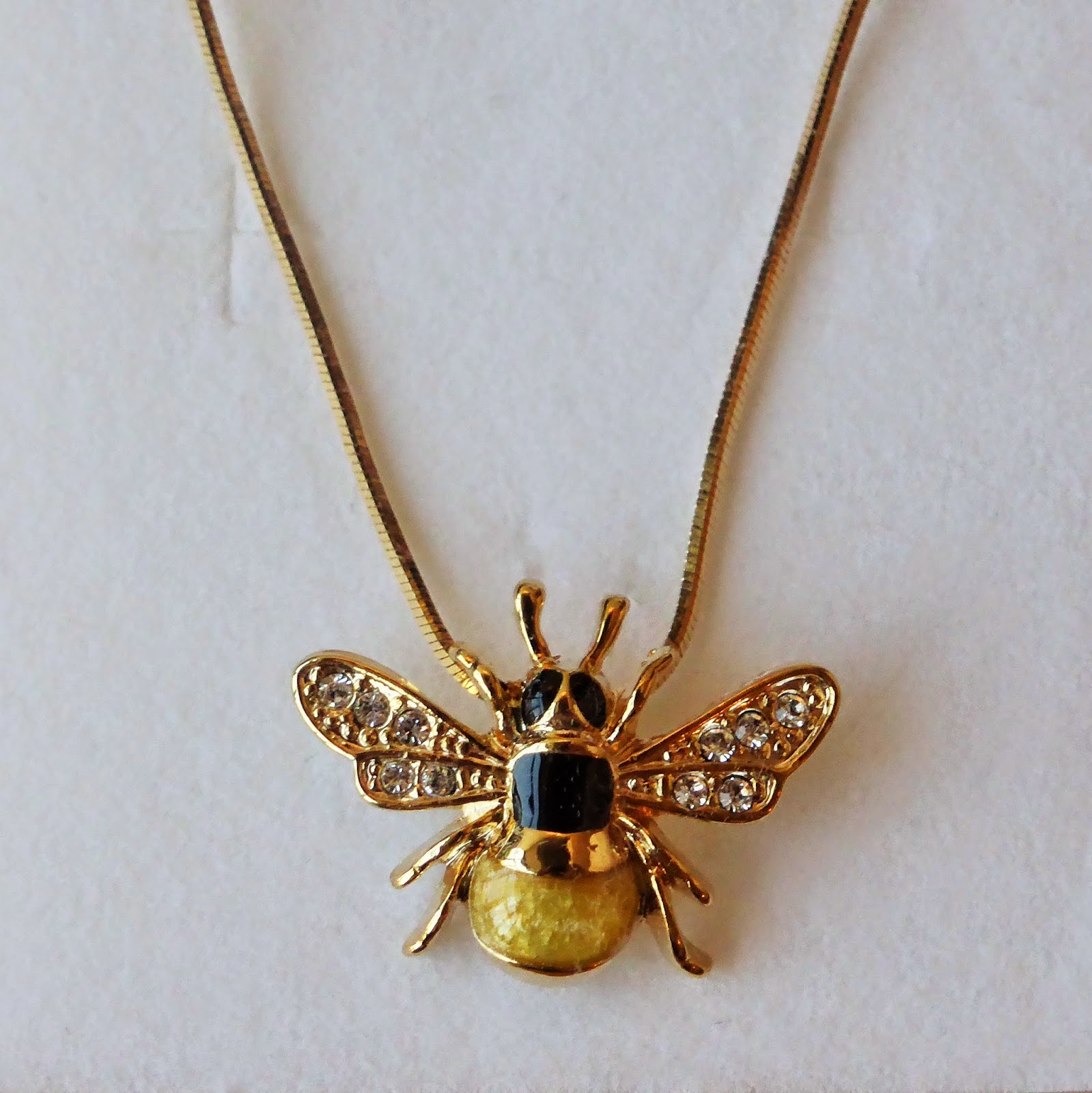 Outfit Post: Honey Bee Necklace