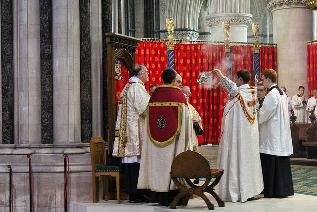 Historic: First Pontifical High Mass at the Throne in England since the advent of the new rite