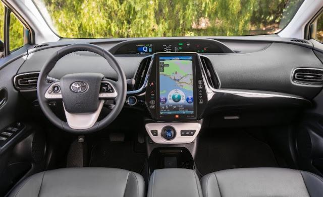 2017 Toyota Prius C Interior