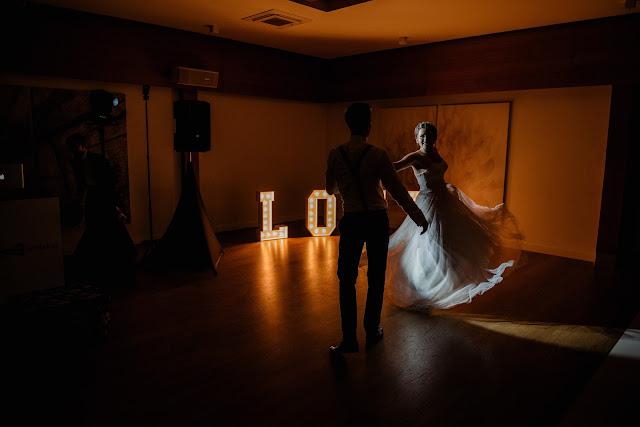 Uchwycenie na zdjęciu Pierwszego Tańca.
