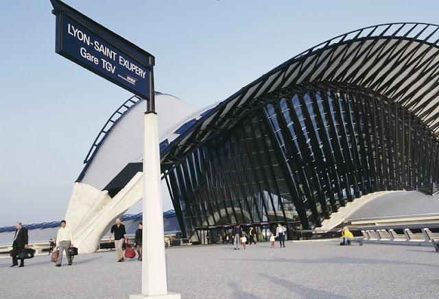Aeroporto de Lyon: Fachada