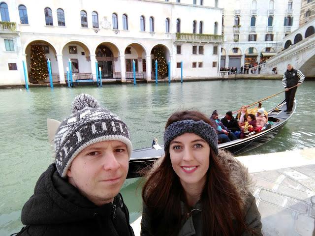 italy, italija, venice, venecija, trip, journey, europe, travel, traveling, izlet, potočki promet, put, putovanje, boat,  couple, par, godišnjica veze, gift idea, gondole, romantično putovanje