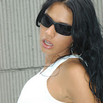 Andrea Rincon, Selena Spice Galeria 20: Tomando El Sol. Cachetero Rosa, Tanga Transparente y Top Blanco Foto 18