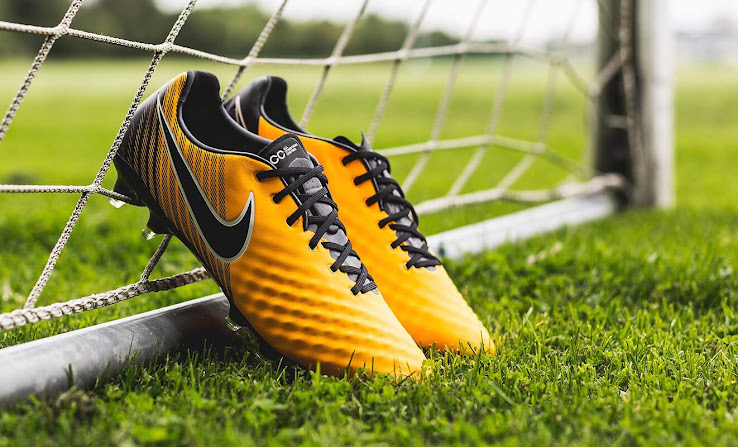 buy online 83bf9 ec1fe Just as the Mercurial, the Laser Orange Nike Magista Obra II football boot  are orange, black and white.