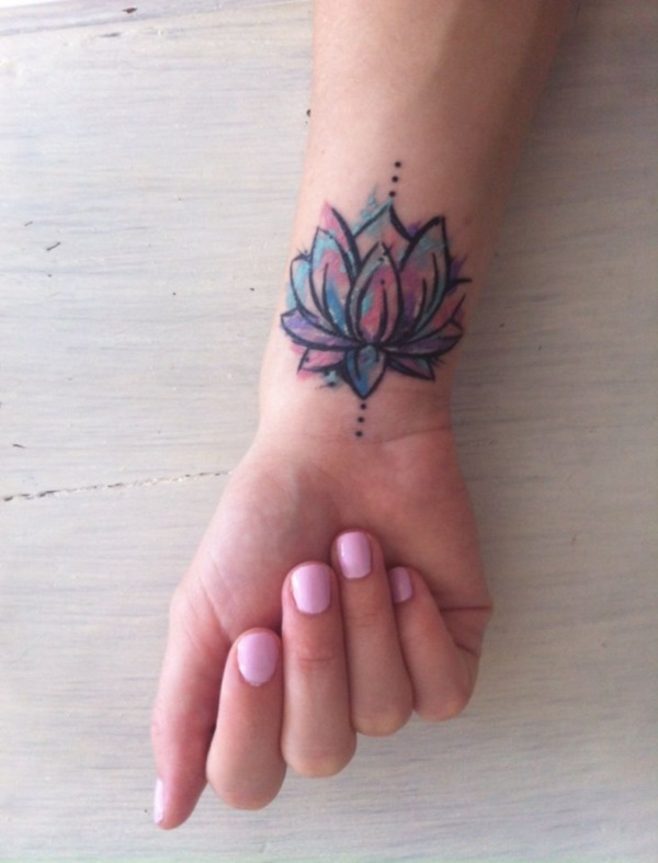 Mini tatuagens de flores para as mulheres