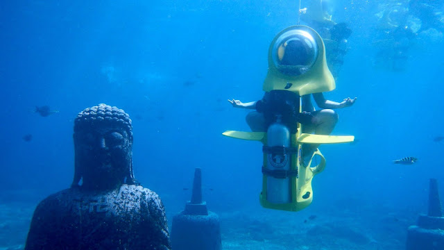 The Bali Underwater Scooter offers tourists a unique scuba-diving experience