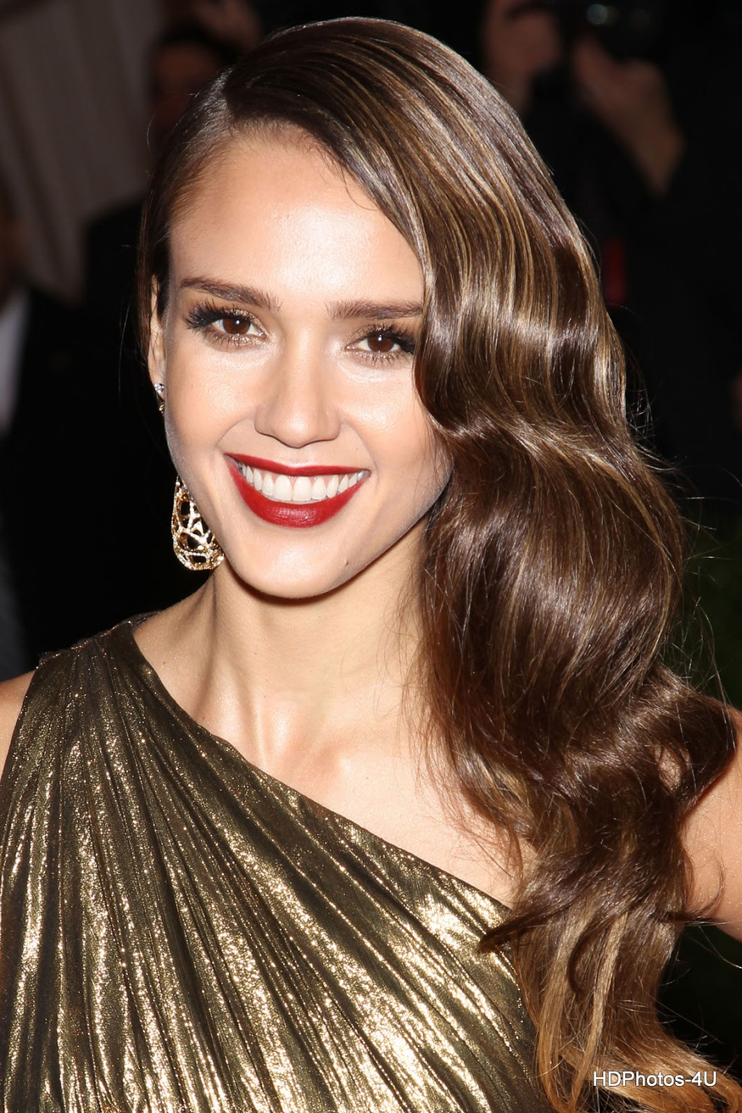 Full HQ Photos of Jessica Alba at Metropolitan Museum of Art's Costume Gala 2012 in New York