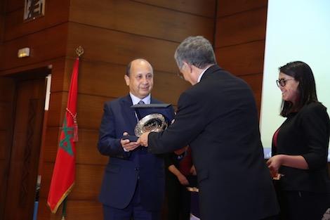 المعهد الملكي للأمازيغية يكرم أحيزون ويحتفل بذكرى خطاب أجدير