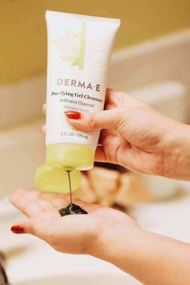 Cuidado de mi piel por la mañana-mariestilo-dermaE- Beauty-Beauty Blogger-Gel Cleanser, Moisturizer-Blogger Style