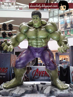 Exhibit | Life-Size Statues of Marvel's Avengers: Age of Ultron at SM City North EDSA - Hulk