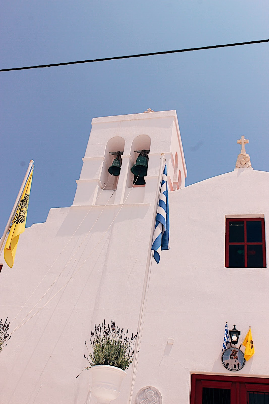 mykonos church,bougainvillea, bougainvillea mykonos, streets of mykonos, best city with bougainvillea, most famous bougainvillea, indian blog, indian blogger, top indian blog, indian luxury blog, uk blog, british blog, london blog, delhi blogger, delhi travel blogger, indian travel blog,  indian fashion blogger, top travel destination, top travel destination 2017, lonely planet recommend, travel to europe, europe travel info, summer holiday, where to go this summer, beach holiday, top beach destination, greece, greek holiday, greece travel, mykonos, mykonos travel guide, tips for mykonos, mykonos travel info, places to see in mykonos, places to eat in mykonos, best places for sunset mykonos, best views mykonos, prepare for greece travel, greece vacation, best beach mykonos, where to shop mykonos, what to eat mykonos,
