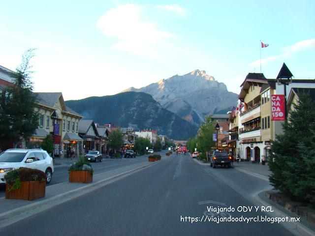 Pueblo de Banff. Banff Alberta Canada. Montañas Rocosas Canadienses