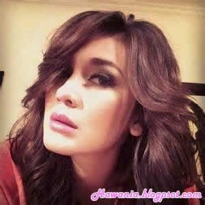 inilah-selebriti-wanita-indonesia-yang-terkenal-di-instagram-luna-maya-harian-wanita-indonesia-hawania