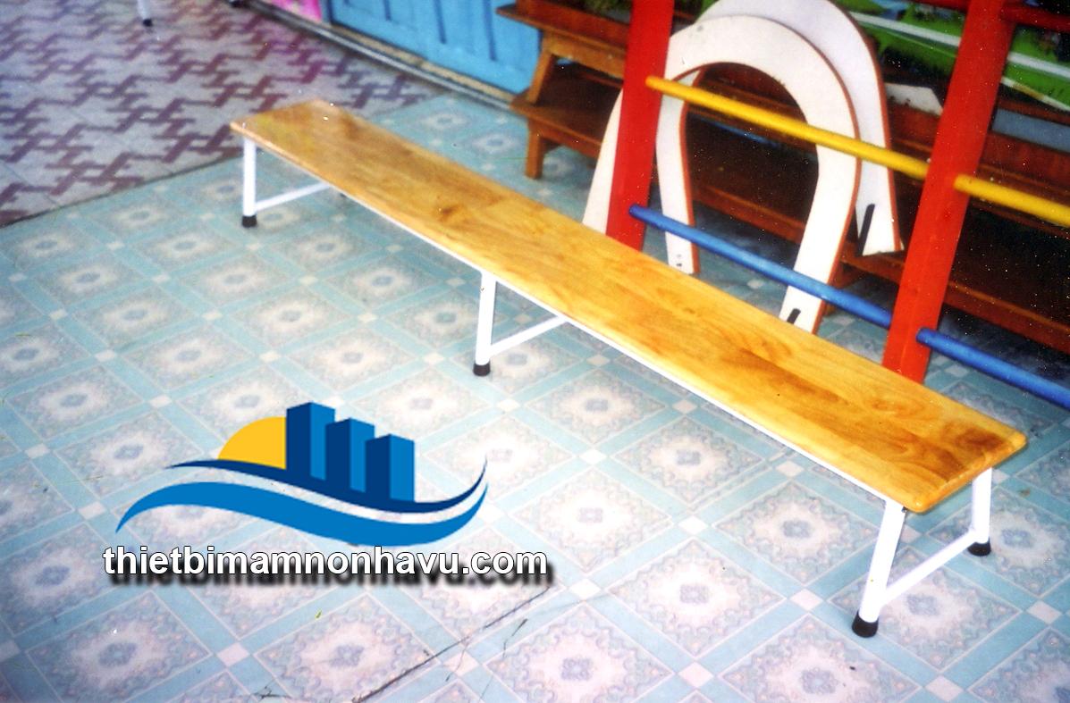 Cầu thăng bằng chân sắt