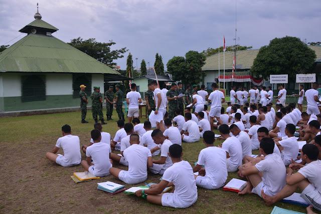 RATUSAN PEMUDA DAFTAR JADI TNI, ANIMO GENERASI MUDA TINGGI JADI PRAJURIT
