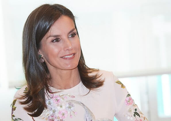 Queen Letizia wore Asos Design Tall floral and bird embroidery midi dress, wore pink suade pumps and pink clutch