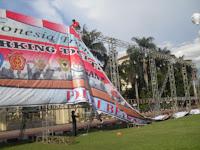Backdrop Rigging Di Lapangan Bayangkara Jakarta Selatan