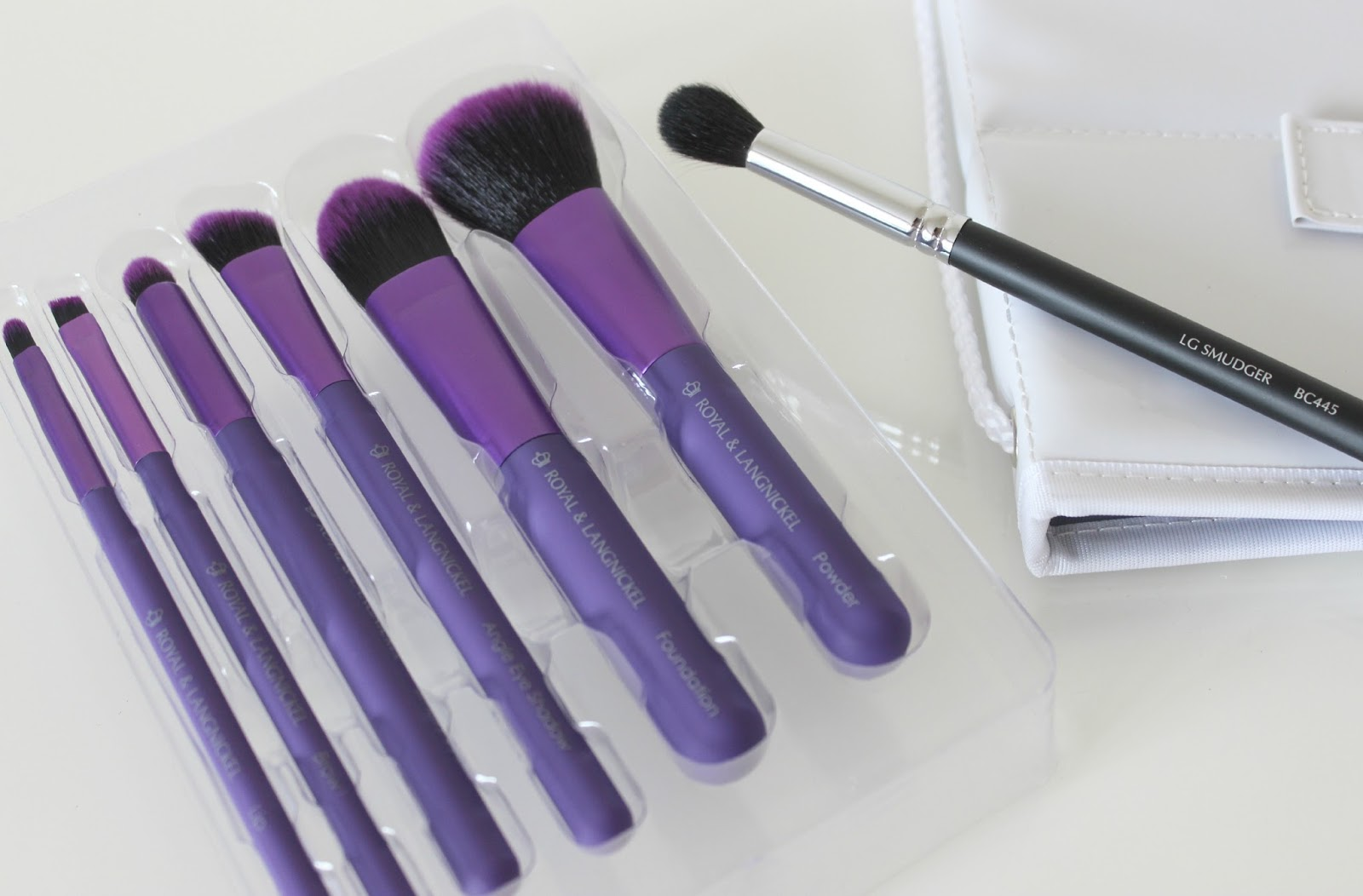 A picture of Royal & Lingnickel MODA Total Face 7pc Brush Set and Large Smudger