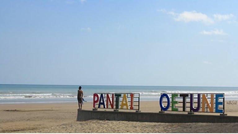 Keindahan Pantai oetune Kupang