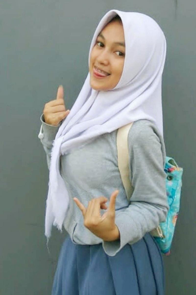 Siswi Jilbab SMA Cantik ugm dilecehkan