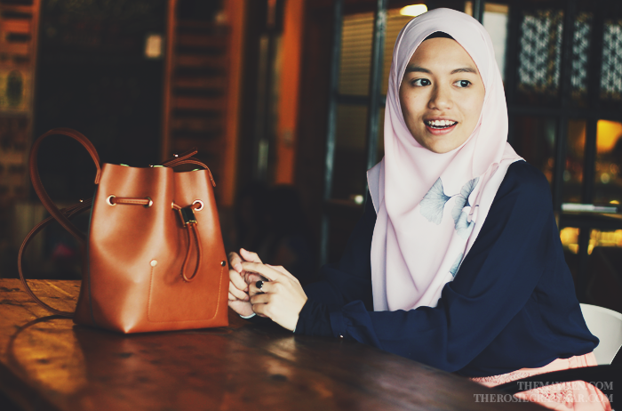 Brunei Blogger May Cho interviews Zahra Zamari of The Rosie Grammar and Eve & Rosie at Rack & Brew, Gadong.