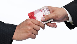 Operasi Tangkap Tangan, KPK Sita Uang Miliaran dan Mobil Mewah