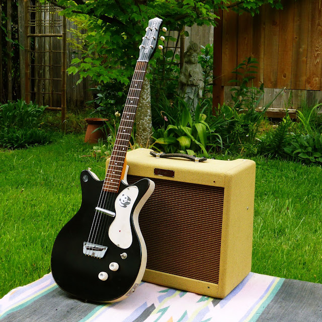 Fender Blues Junior, Tweed, Blues Jr, Danelectro, 1959, 1995, black, Danelectro double cutaway