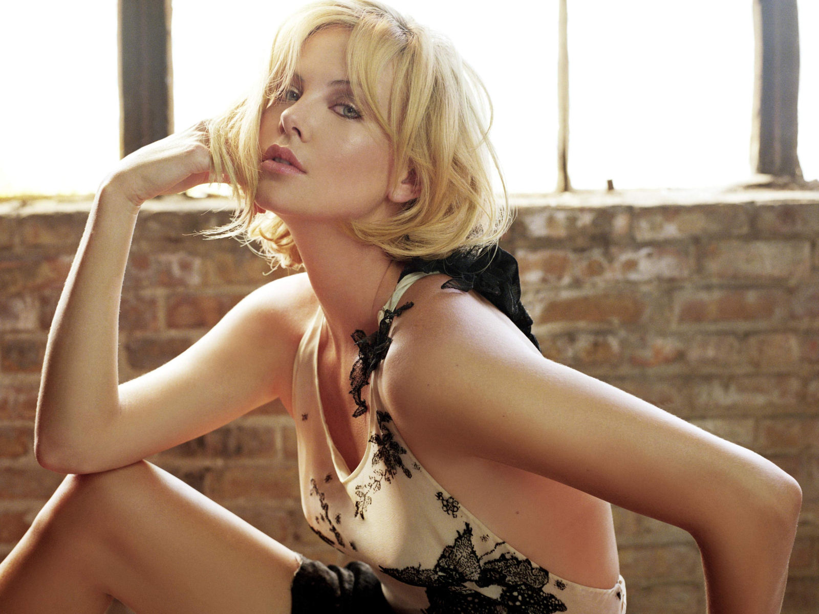 Bethenny Frankel Hollywood Charlize Theron New And Latest Hot Images Gallery